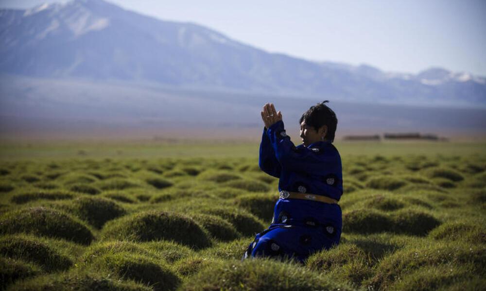 prayer in asia high mountains
