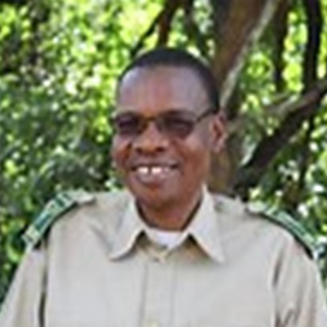 Headshot of Brighton Kalaembeni Kumchedwa