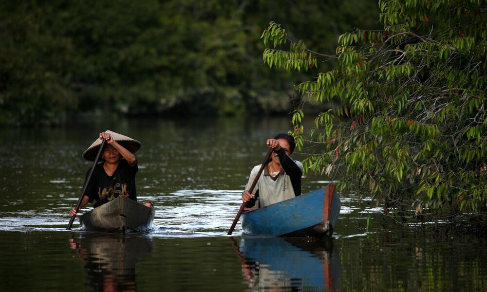 Kayaks in Lake Sentarum
