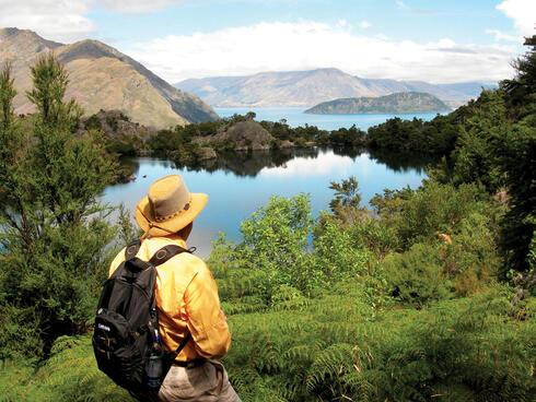 Lake Wanaka hiker