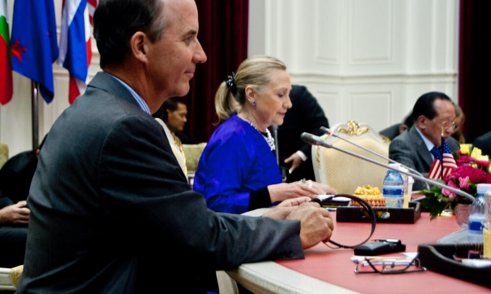 Carter Roberts joins US Secretary Hillary Clinton in Phnom Penh, Cambodia at the 2nd Annual Friends of the Lower Mekong Ministerial Meeting.