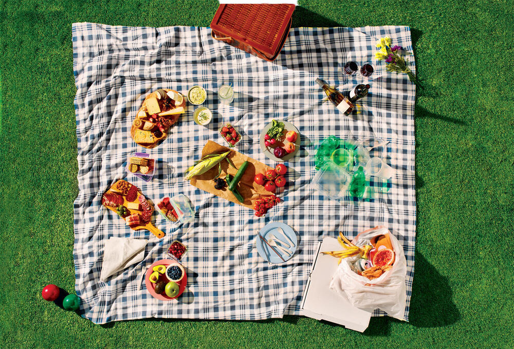 Picnic blanket with food