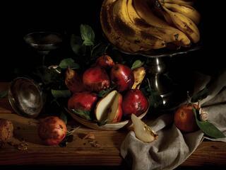 rotting fruit in bowl