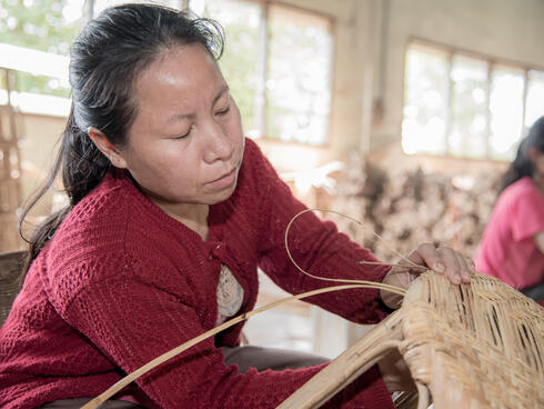 Seng Urdakham, basket weaving.