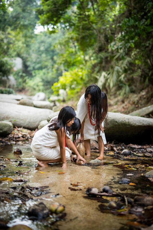 girls river columbia winter2017